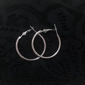 Never used Elegant Ring earrings